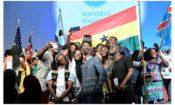 Les bénéficiaires de bourses Mandela Washington posent pour des photos lors des festivités d'un récent sommet YALI.