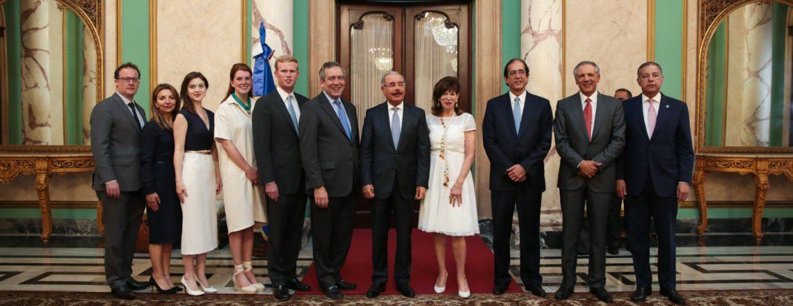 Presidente interino y CEO de OPIC encabeza delegación en visita a la República Dominicana