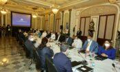 representantes de gobiernos de EE.UU. y Rep. Dom en la mesa de diálogo