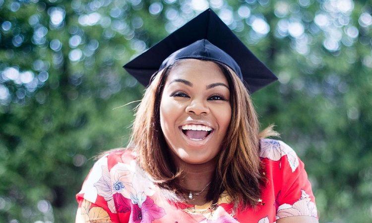 Una estudiante universitaria