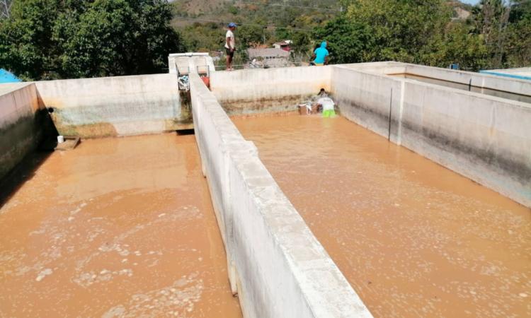 Tanque de sistema hidrico