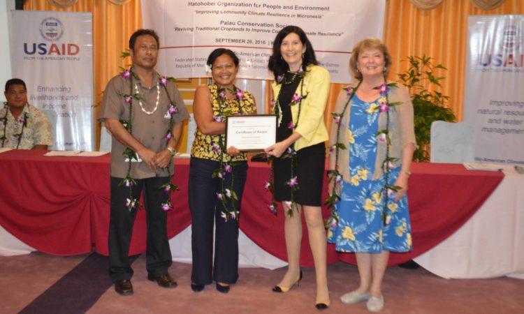 Recipient receives grant award