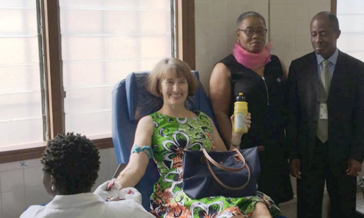 US Embassy visits the Blood Bank Activities in Yamoussoukro