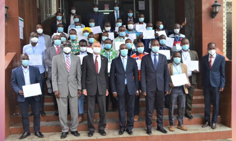 Remise de diplômes à la onzième promotion du Programme de formation en épidémiologie de Terrain (FETP)