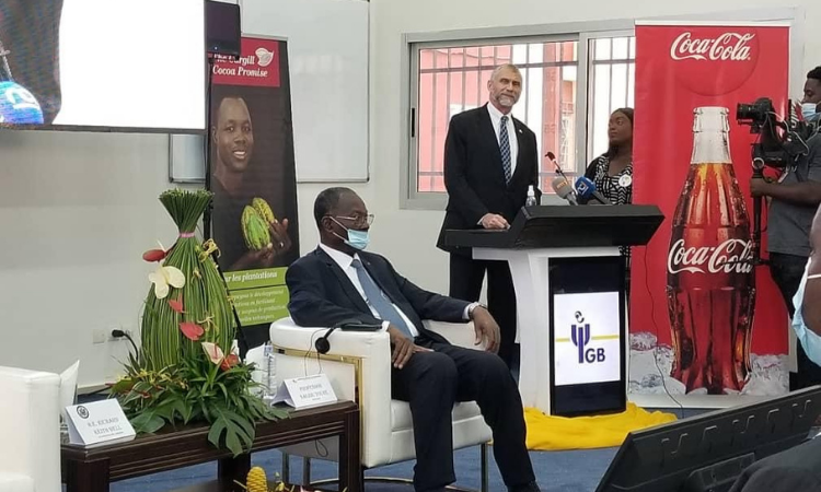 nouveau partenariat entre l'Université de Géorgie et l'Université Internationale de Grand Bassam
