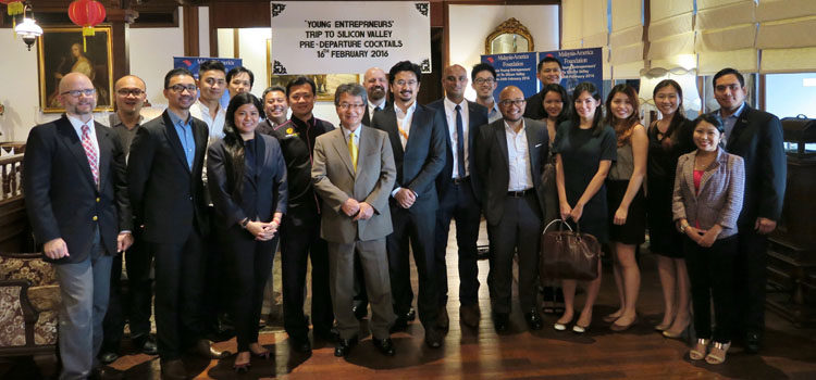 Ambassador Yun (centre) with the group of delegates from the Malaysia-America Foundation (MAF) who will be visiting Silicon Valley, California. (U.S. Embassy photo)