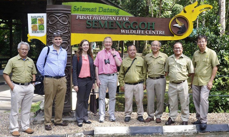 U.S. Science Envoy Dr. Thomas Lovejoy visited the Semenggoh Wildlife Centre in Sarawak, July 2016. (Photo by Sarawak Forestry)