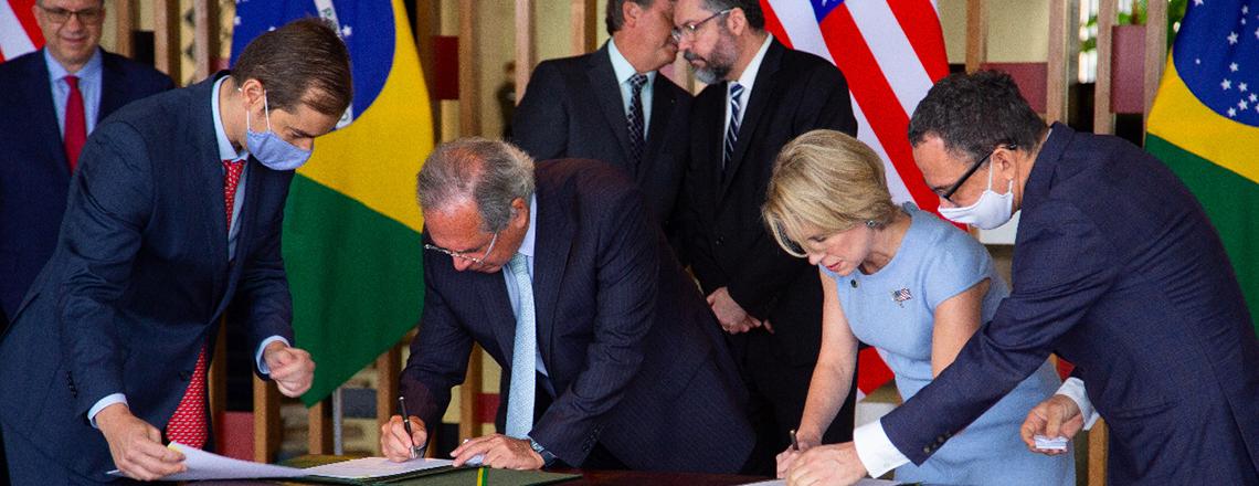 Os Estados Unidos e o Brasil Assinam um Memorando de Entendimento de R$ 5,6 Bilhões