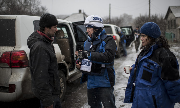 OSCE monitors on patrol in Novooleksandrivka, Luhansk region, March 20, 2016. (OSCE/Evgeniy Maloletka)