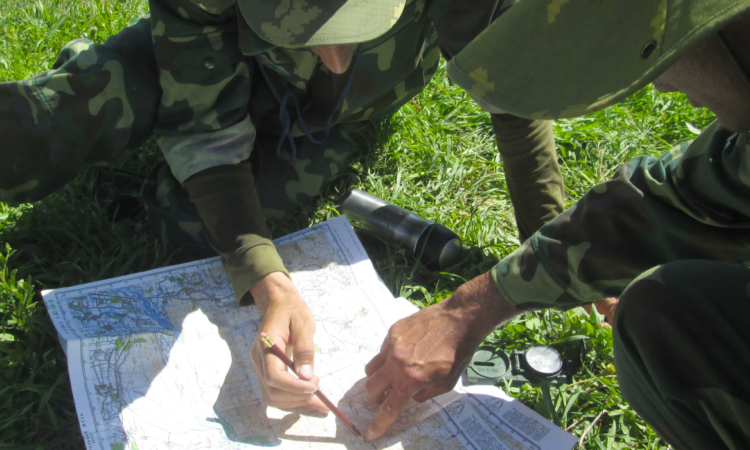 Tajik Border Troops during a land navigation exercise in Lattaband, Tajikistan, 13 April 2016. (OSCE/Firdavs Kurbonov)