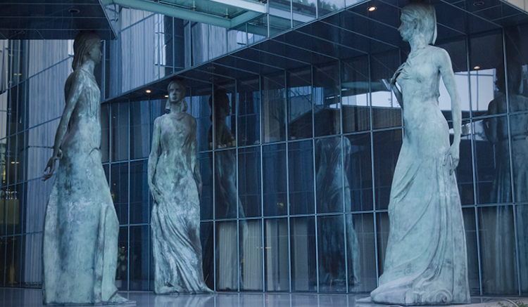 Statues outside the Palace of Justice in Warsaw, Poland. (USOSCE/Colin Peters)