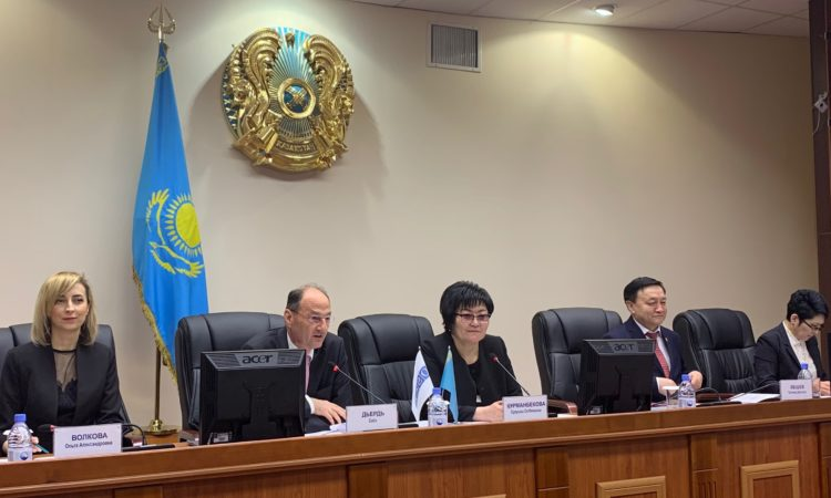 Ambassador György Szabó (II), Head of the OSCE Programme Office in Nur-Sultan in Kazakhstan, welcomes participants of a seminar on human rights protection in April 2019. (photo: OSCE/Maxat Baibekov)