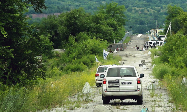 SMM patrols in the Luhansk region in eastern Ukraine (photo: OSCE/Mariia Aleksevych)