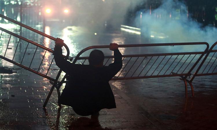 Protester in Tirana