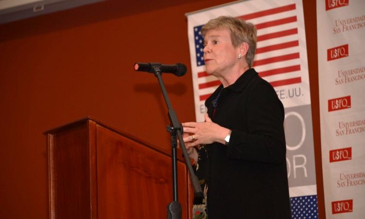 Subsecretaria de Estado Rose Gottemoeller durante su intervención en la Universidad San Francisco de Quito