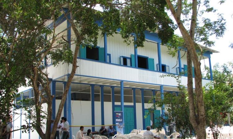 Casa del siglo XIX en Salango restaurada con el Fondo del Embajador Para la Preservación Cultural en el 2008