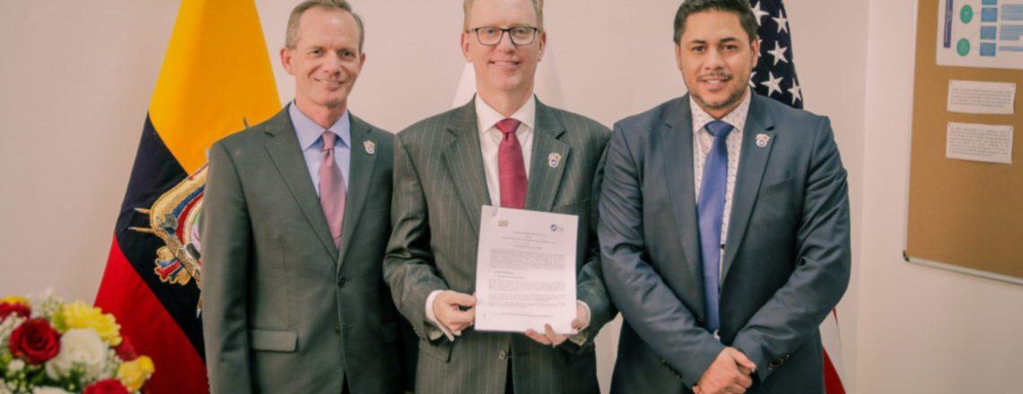 El Cuerpo de Paz-Ecuador trabajará con la Asociación de Municipalidades Ecuatorianas
