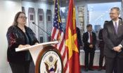 Tân Tổng Lãnh sự Hoa Kỳ Marie Damour phát biểu tại buổi lễ