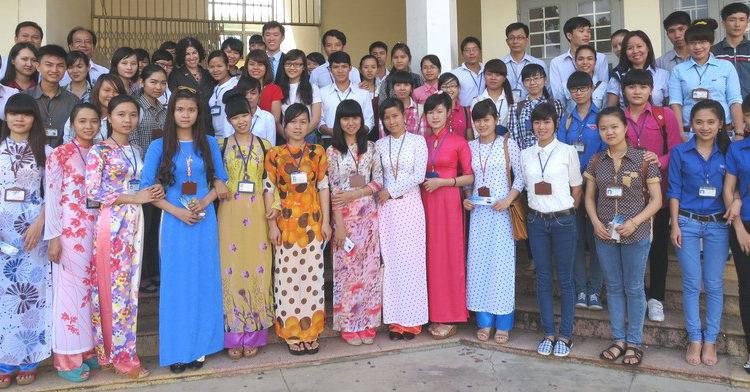 Tổng Lãnh sự Rena Bitter đến thăm Đại học Tây Nguyên, tỉnh Đắk Lắk.