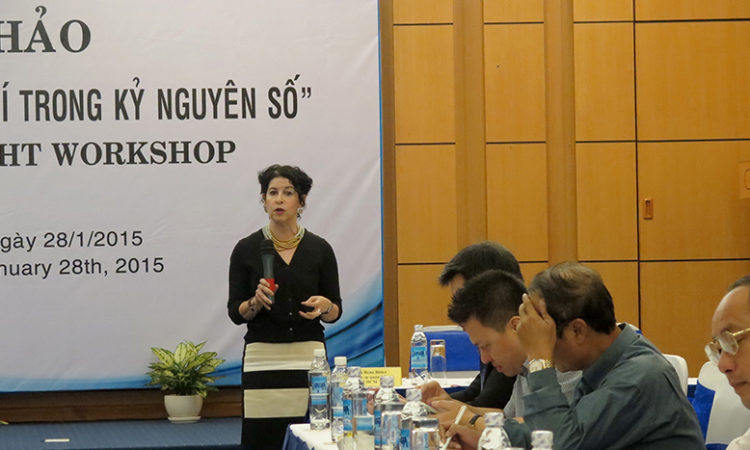 Consul General Rena Bitter opens the workshop