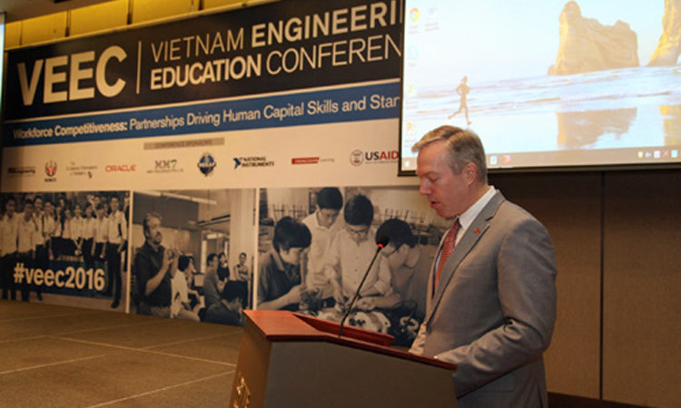 Ambassador Ted Osius at Vietnam Engineering Education Conference 2016