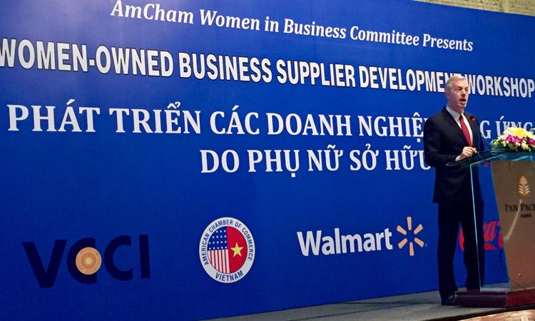 Đại sứ Osius phát biểu tại Hội thảo Phát triển các Doanh nghiệp Cung ứng do Phụ nữ sở hữu