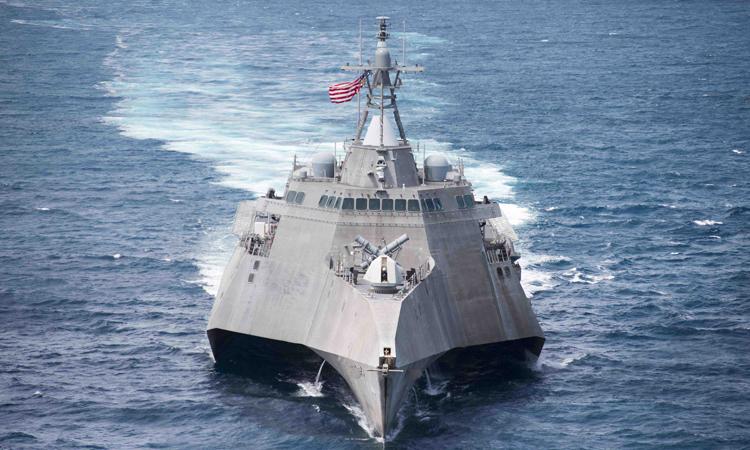 Tàu USS Coronado thực hiện chuyến thăm kỹ thuật tại Cảng Quốc tế Cam Ranh để tiến hành bảo dưỡng viễn chinh