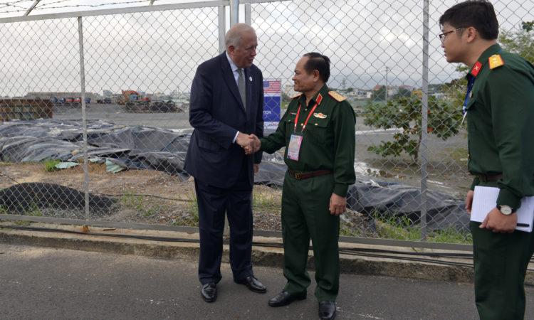 Hoa Kỳ và Việt Nam đánh dấu việc xử lý thành công dioxin tại sân bay Đà Nẵng và cam kết tiếp tục hợp tác tại sân bay Biên Hoà