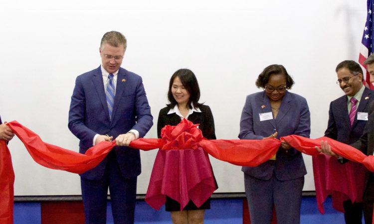 APHIS Deputy Administrator Blakely and Ambassador Kritenbrink open the APHIS office in Hanoi/ Phó giám đốc APHIS Blakely và Đại sứ Kritenbrink khai trương văn phòng APHIS ở Hà Nội