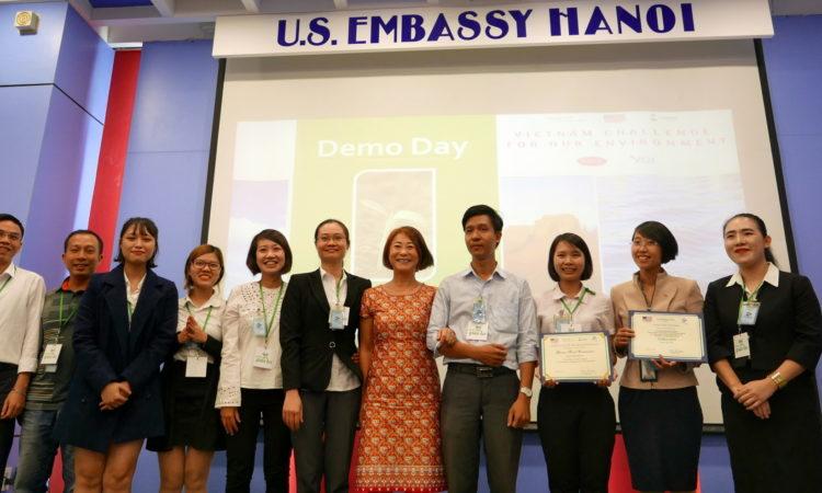 """Đại sứ quán Hoa Kỳ công bố đội chiến thắng trong cuộc thi """"Khởi nghiệp vì Môi trường"""""""