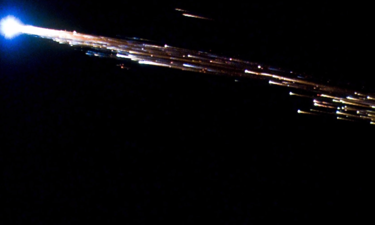 ESA's Jules Verne ATV breaks apart into a fireball while reentering Earth's atmosphere on September 29, 2008. (NASA/ESA)