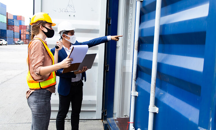 UNODC Container Control Program in action (UNODC/Carla McKirdy)