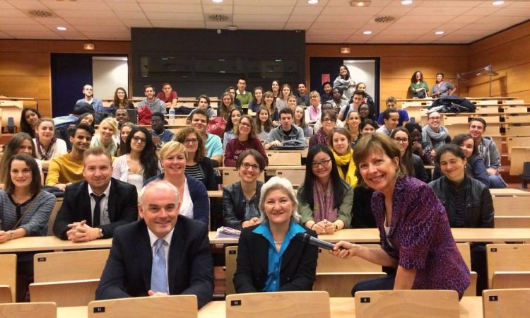In the first row (from left to right): Kevin Mac Gabhann - Head of the International Relations Department at EM Business School Strasbourg, Amy Westling - Consul General of the United States in Strasbourg, Dr. Rachel Price-Kreitz – Academic Coordinator for exchange in the U.S.A.
