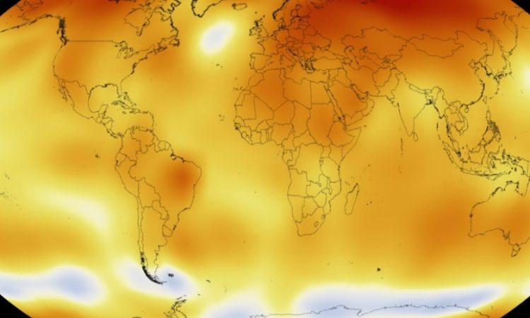 La NASA relève régulièrement les températures à la surface de la Terre pour mieux comprendre notre planète. Les niveaux enregistrés pour l'année 2015 étaient les plus élevés depuis 1880, l'année où on a commencé à relever ces données. (Crédit photo : NASA)