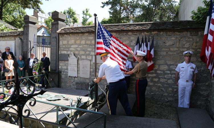 Hommage à la mémoire du Marquis de La Fayette au cimetière de Picpus