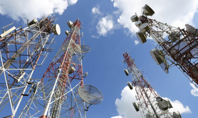Telecommunication towers (©Shattaya/shutterstock)