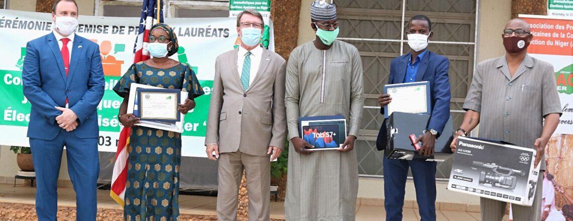 U.S. Embassy Honors Eight Nigerien Journalists at World Press Freedom Day Celebration