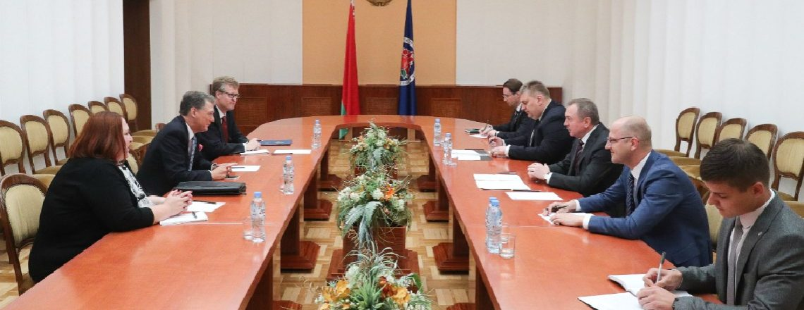 Deputy Assistant Secretary Kent meets of Foreign Minister Makei