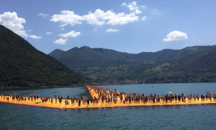 Image of the Floating Piers
