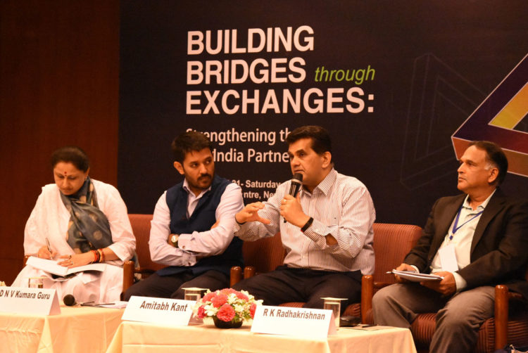 Mr. Amitabh Kant, CEO, NITI Aayog, with alumni (l-r) Dr. Neelu Rohmetra, Mr. DNV Kumara Guru, and Mr. R.K. Radhakrishnan during an interactive session with the participants (Photo credit: TERI)