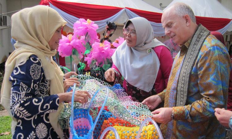 Ambassador Donovan's Visit to West Kalimantan (State Dept.)