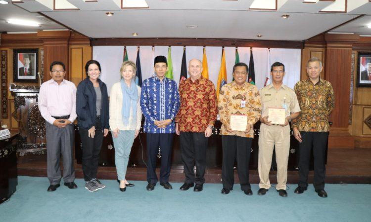 MCC Compact Merayakan Kemitraan AS-Indonesia untuk Tingkatkan Pertumbuhan Ekonomi, Kesehatan & Layanan Pemerintah bagi Masyarakat Indonesia di NTB (State Dept.)