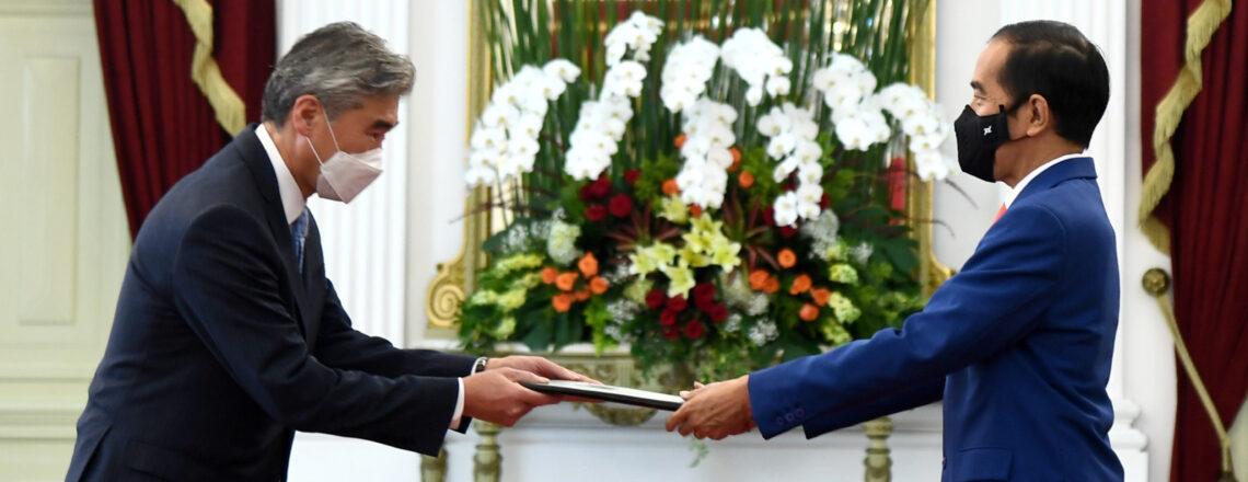 Duta Besar Baru AS Sung Kim Serahkan Surat Kepercayaan Pada Presiden Jokowi