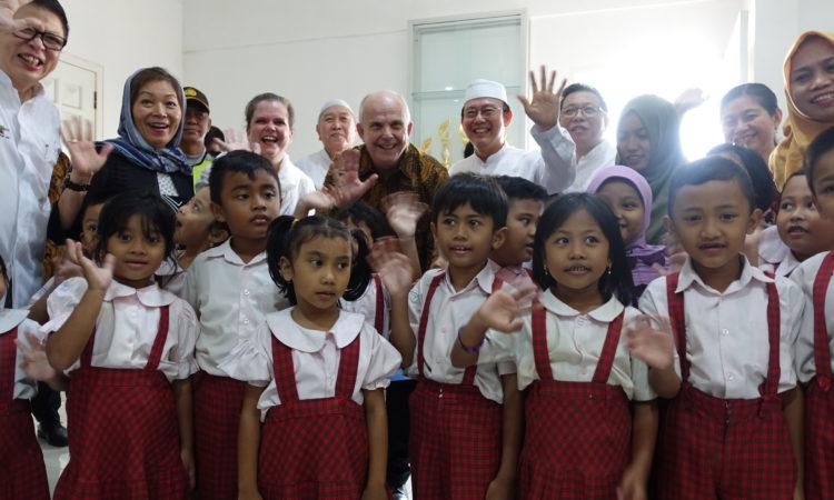 """Dubes Donovan Menyoroti """"Kemitraan di Seberang Lautan"""" dalam Kunjungan ke Surabaya (State Dept. / U.S. Consulate General Surabaya)"""