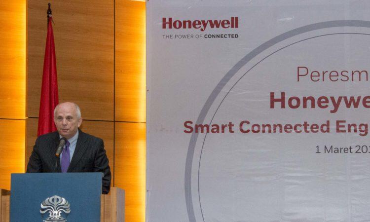 Ambassador Joseph R. Donovan's Remarks on Honeywell's Connected Campus Laboratory, University of Indonesia (State Dept. / Budi Sudarmo)