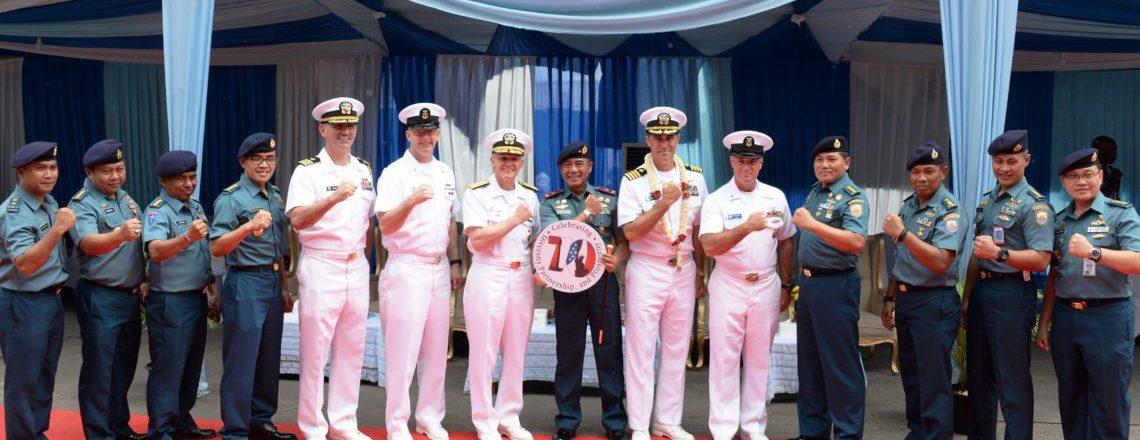 Kapal Komando Armada Ke-7 USS Blue Ridge Memperkuat Kemitraan Maritim di Indonesia
