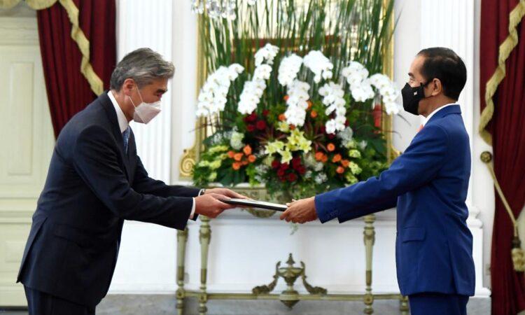 New U.S. Ambassador Sung Kim Presents Credentials To President Jokowi