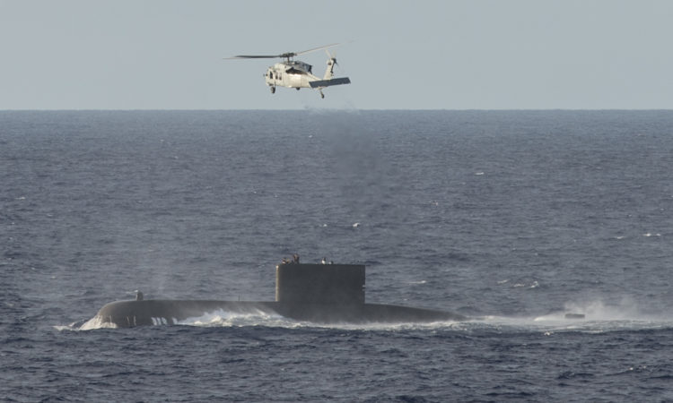 16/05/27 - 동맹의 협력활동: 미 해군 병원선 USNS Mercy 한국 선원을 위한 긴급의무후송 지원