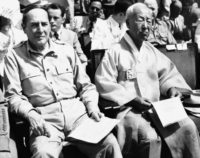 South Korean President Syngman Rhee (right) and General Douglas MacArthur, supreme allied commander in Japan, at the inauguration of the new republic in August 1948 (© Charles Gorry/AP Images)