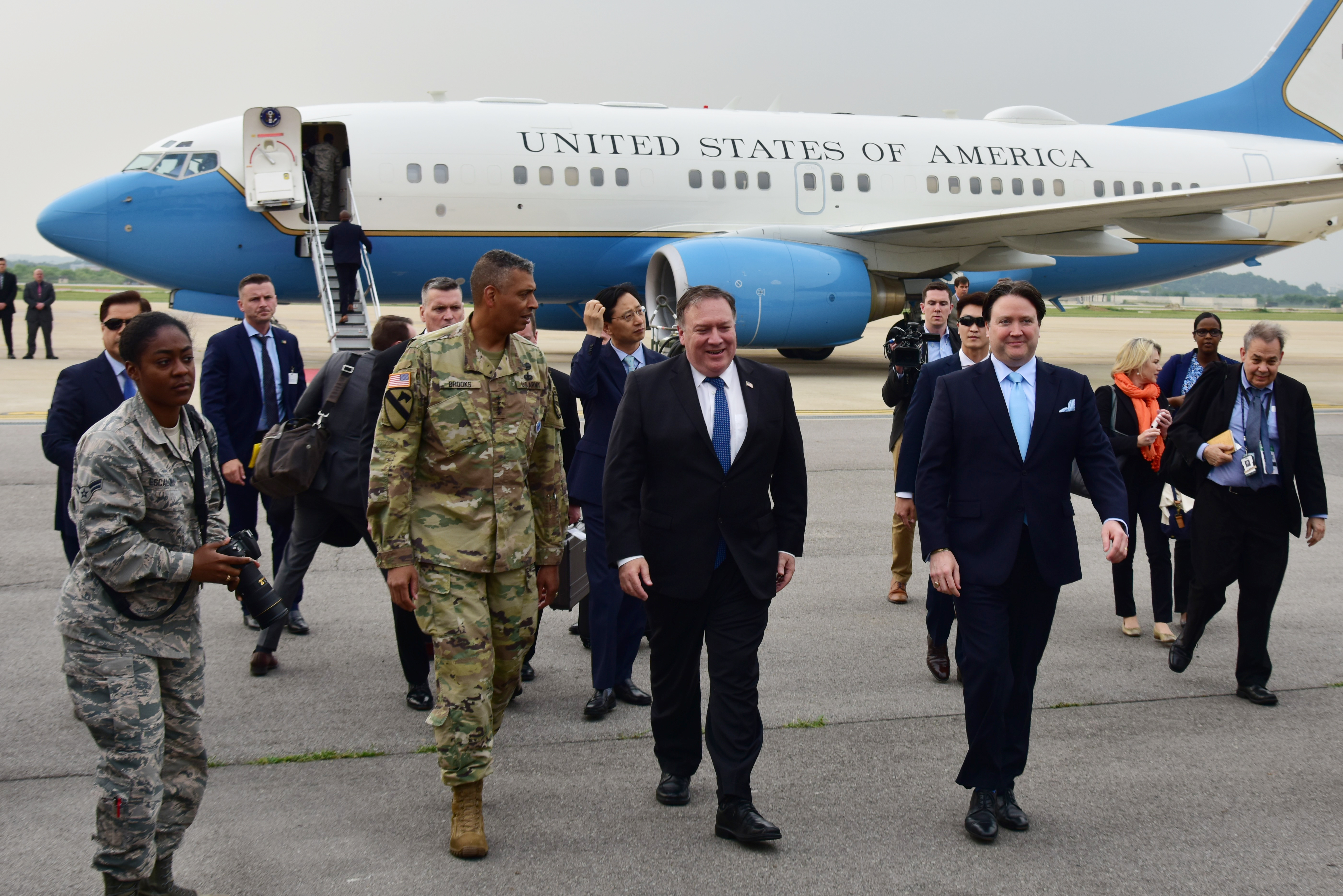 Arrival, Osan] Secretary Pompeo with USFK Commander General